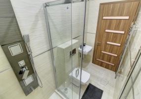Vaci utca,Hungary,2 Bedrooms Bedrooms,1 Room Rooms,2 BathroomsBathrooms,Apartment,2,1309